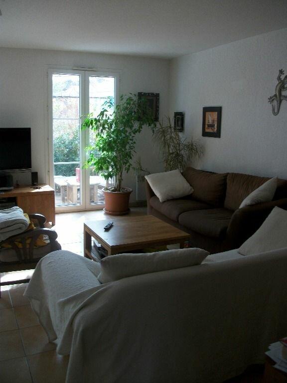 Maison à louer 4 93m2 à Saint-Clément-de-Rivière vignette-2