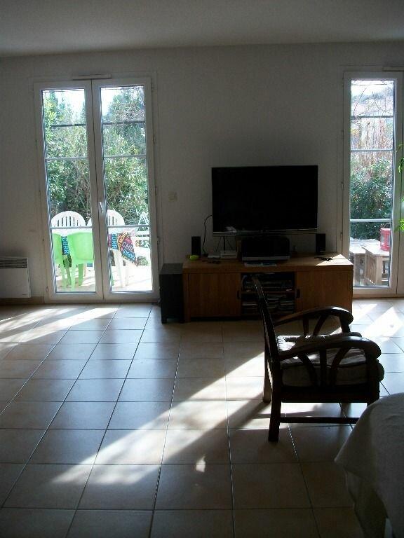Maison à louer 4 93m2 à Saint-Clément-de-Rivière vignette-3