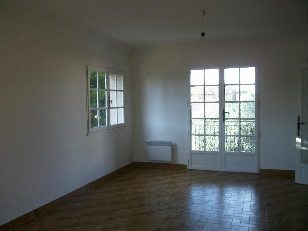 Maison à louer 4 100m2 à Pérols vignette-2