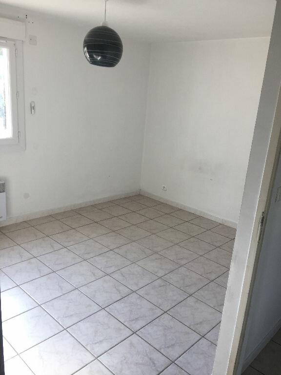 Appartement à louer 4 80m2 à Lunel-Viel vignette-7