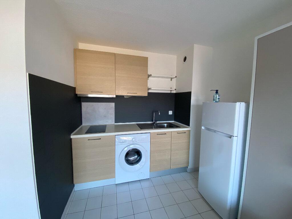 Appartement à louer 1 25m2 à Mauguio vignette-3