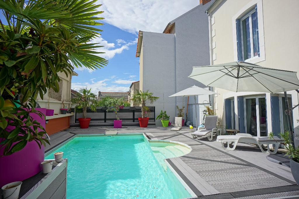 Maison à vendre 8 290m2 à Montluçon vignette-3