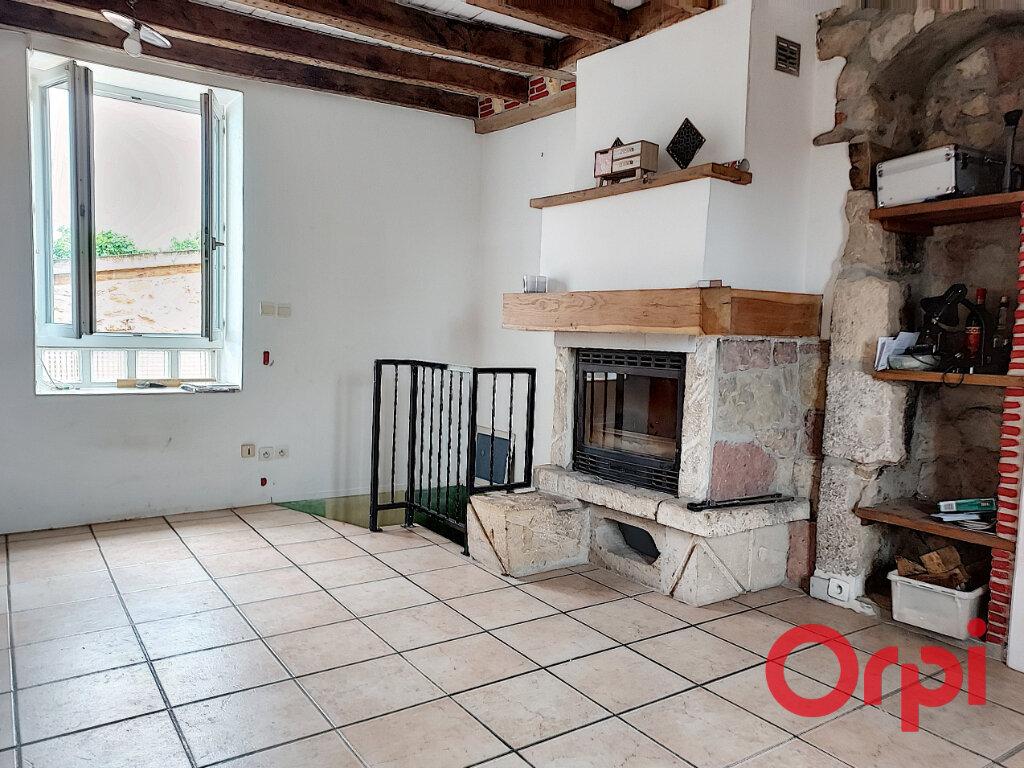 Maison à vendre 5 110m2 à Montvicq vignette-3