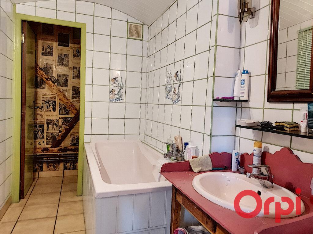 Maison à vendre 5 110m2 à Montvicq vignette-9