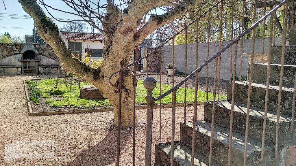 Maison à vendre 3 60m2 à Villefranche-d'Allier vignette-4
