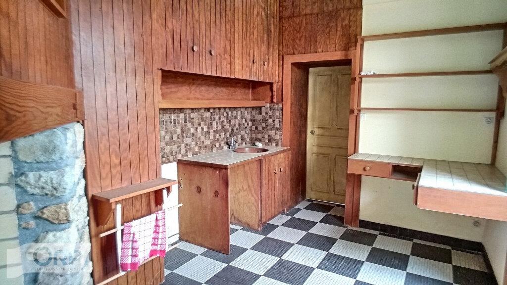 Maison à vendre 15 380m2 à Montmarault vignette-5