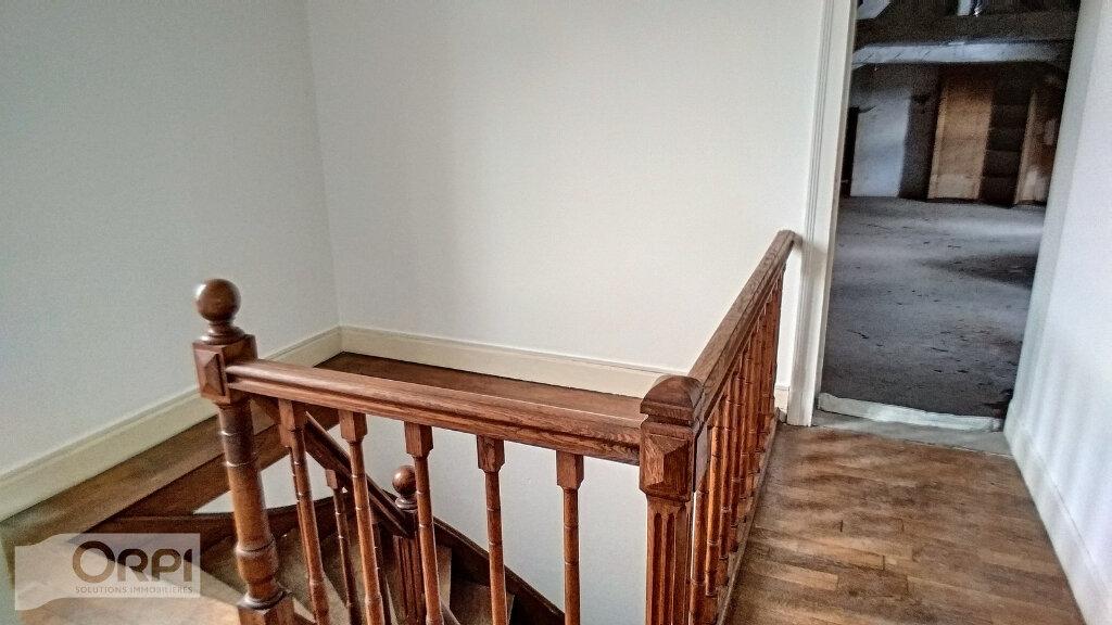 Maison à vendre 15 380m2 à Montmarault vignette-8