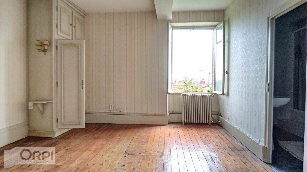 Maison à vendre 15 380m2 à Montmarault vignette-10
