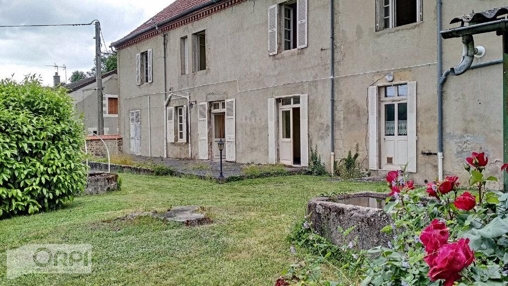 Maison à vendre 15 380m2 à Montmarault vignette-14
