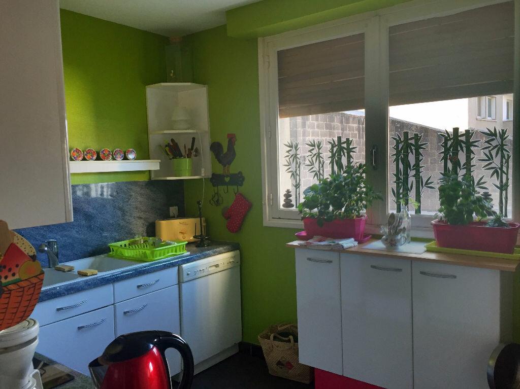Appartement à vendre 4 106m2 à Montluçon vignette-6