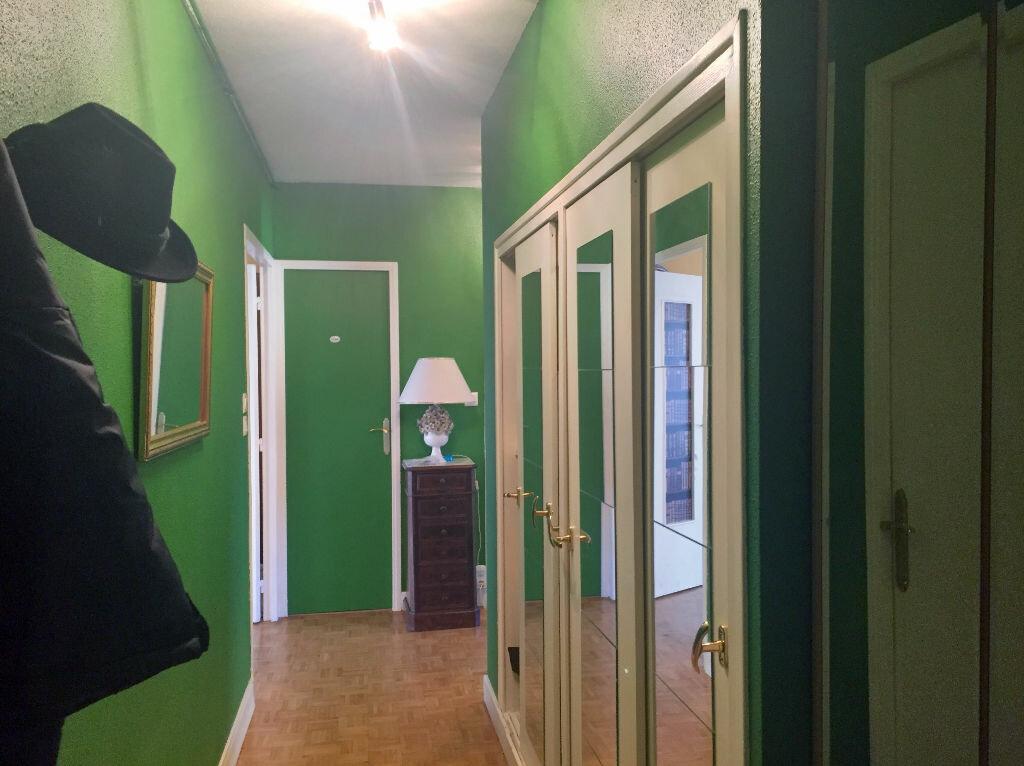 Appartement à vendre 4 106m2 à Montluçon vignette-8