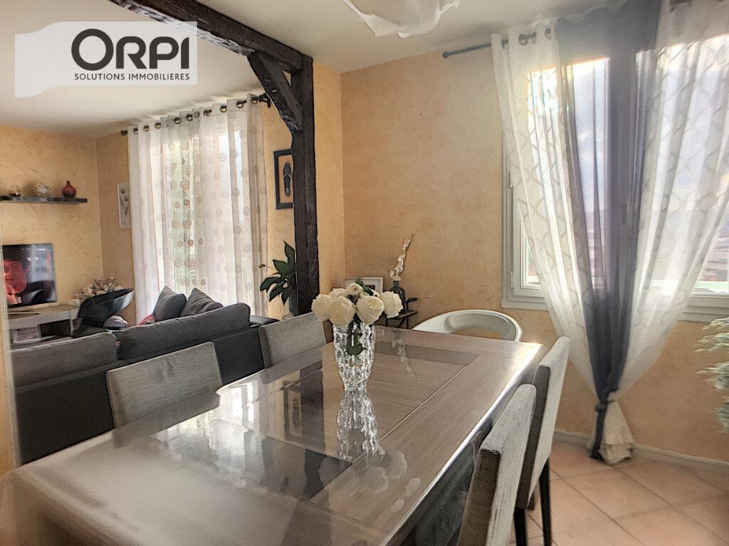 Appartement à vendre 4 77m2 à Montluçon vignette-3