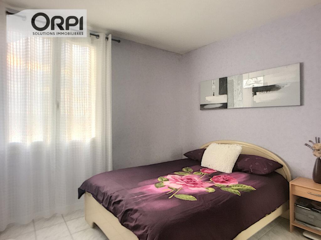 Appartement à vendre 4 77m2 à Montluçon vignette-5