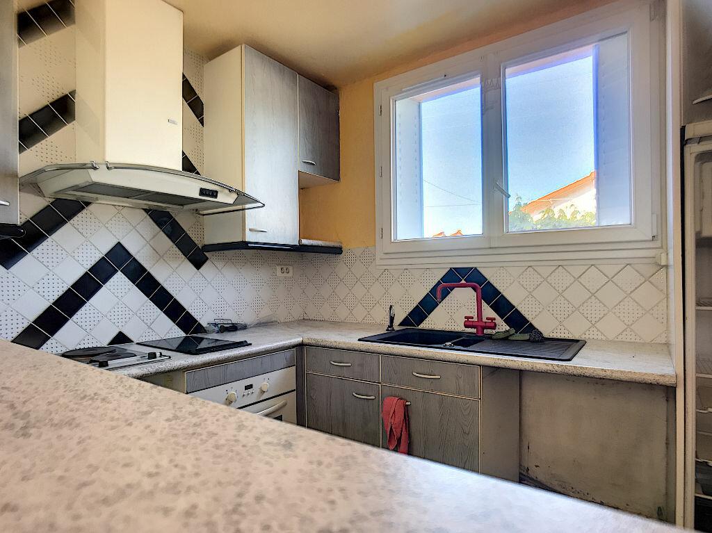 Appartement à vendre 3 67.46m2 à Montluçon vignette-2