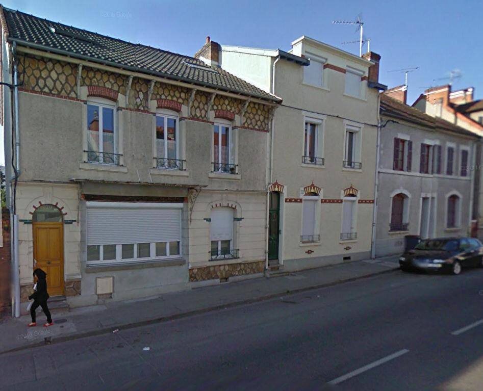 Immeuble à vendre 0 101.6m2 à Montluçon vignette-1