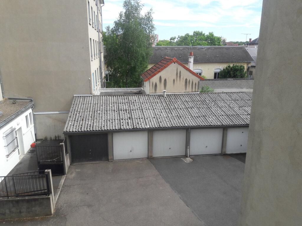 Appartement à vendre 3 62m2 à Montluçon vignette-6