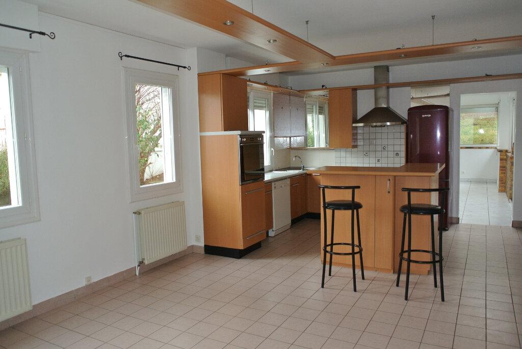 Maison à vendre 8 162m2 à Montluçon vignette-4