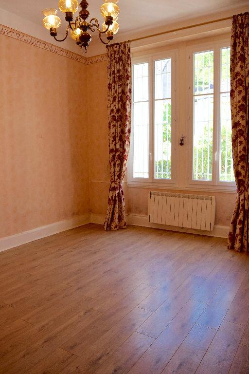 Maison à vendre 6 118m2 à Le Châtelet vignette-1