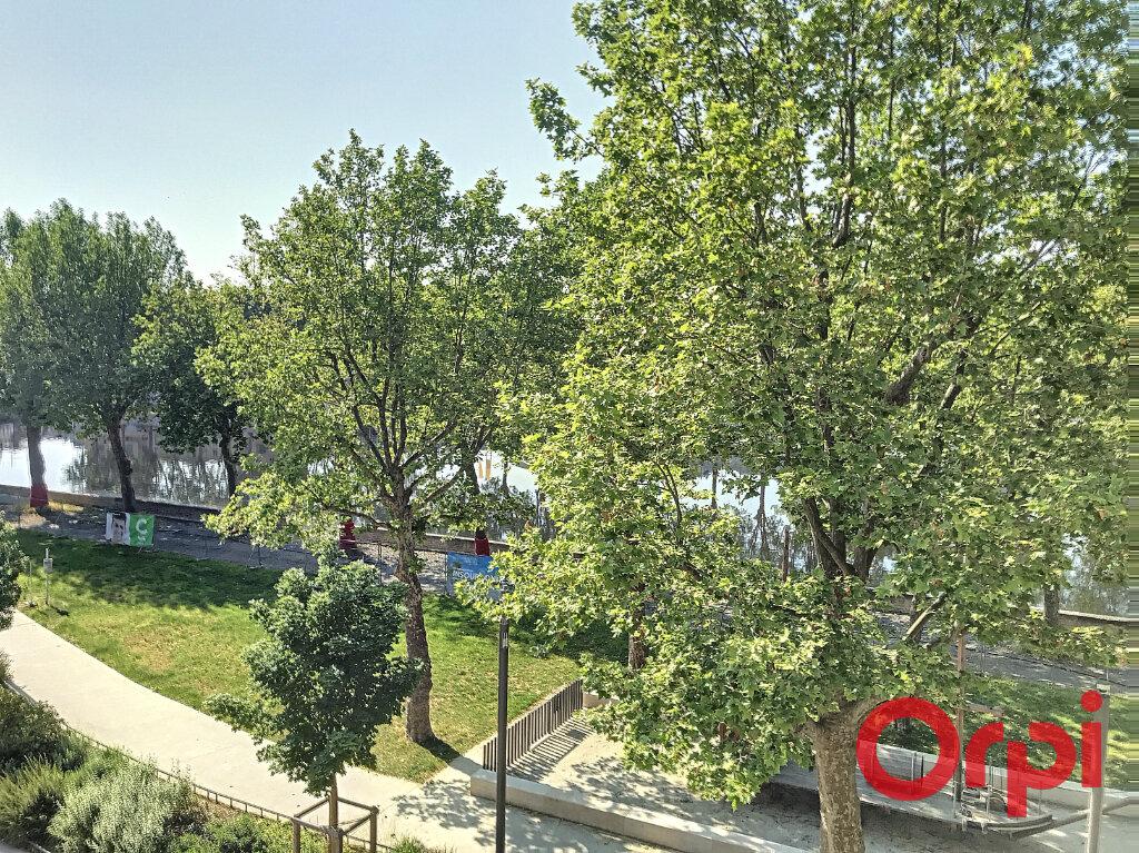 Appartement à vendre 5 130m2 à Montluçon vignette-1