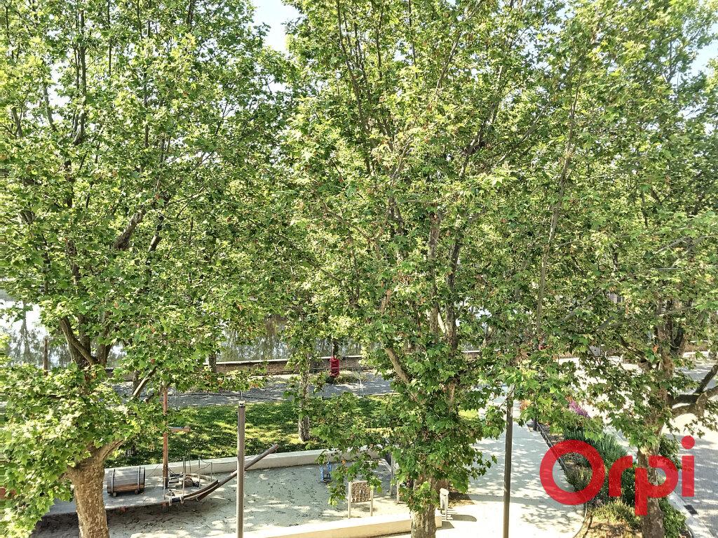 Appartement à vendre 5 130m2 à Montluçon vignette-6