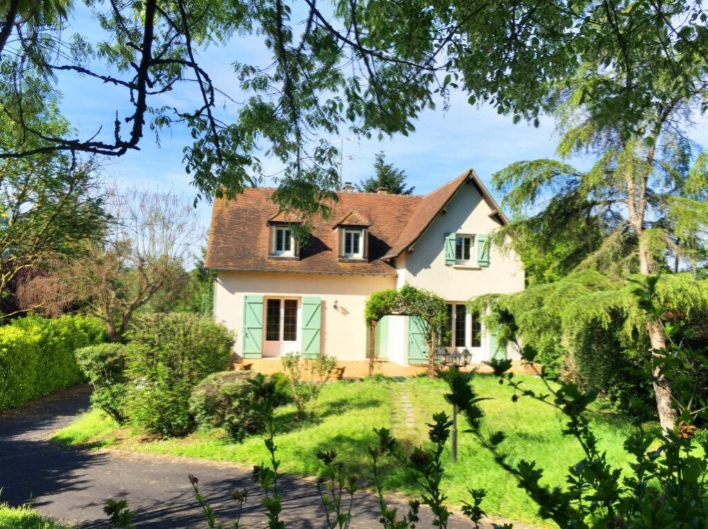 Maison à vendre 7 166m2 à Saint-Amand-Montrond vignette-2