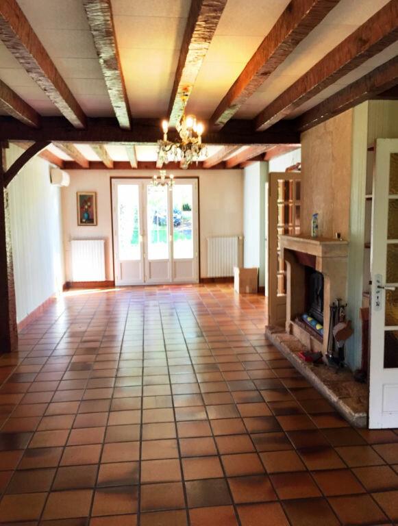 Maison à vendre 7 166m2 à Saint-Amand-Montrond vignette-4