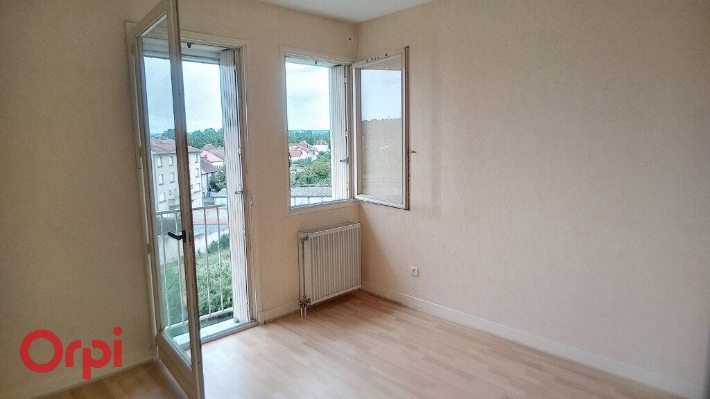 Appartement à vendre 3 72.55m2 à Montluçon vignette-2