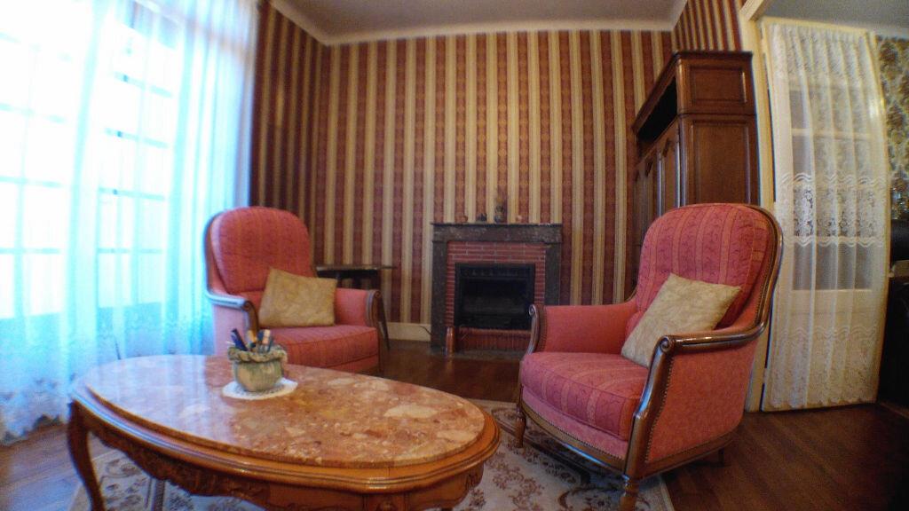 Maison à vendre 5 105m2 à Montmarault vignette-2