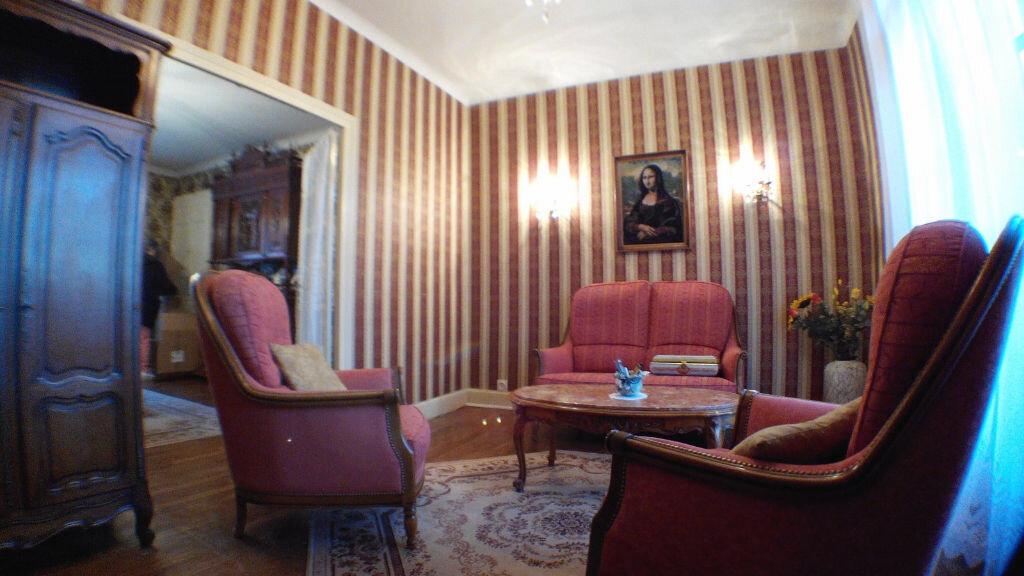 Maison à vendre 5 105m2 à Montmarault vignette-3