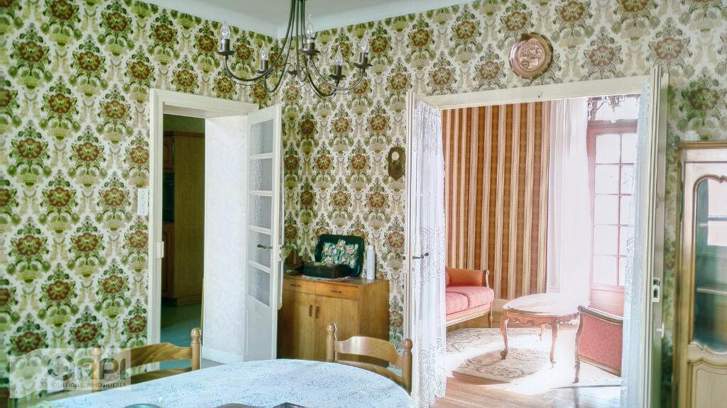 Maison à vendre 5 105m2 à Montmarault vignette-5