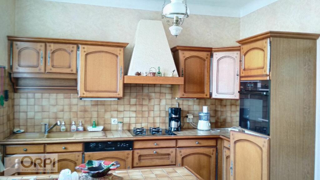 Maison à vendre 5 105m2 à Montmarault vignette-6