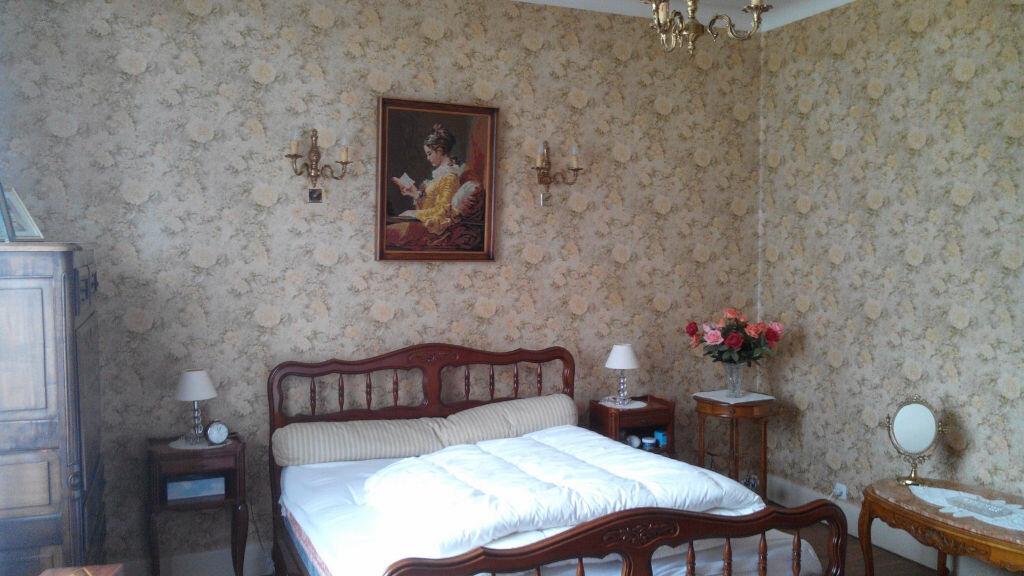 Maison à vendre 5 105m2 à Montmarault vignette-9