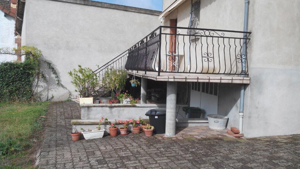 Maison à vendre 5 105m2 à Montmarault vignette-14