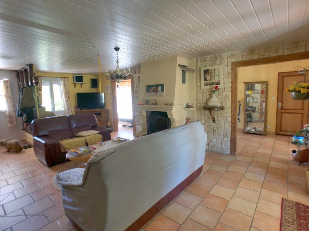Maison à vendre 6 126m2 à Farges-Allichamps vignette-2
