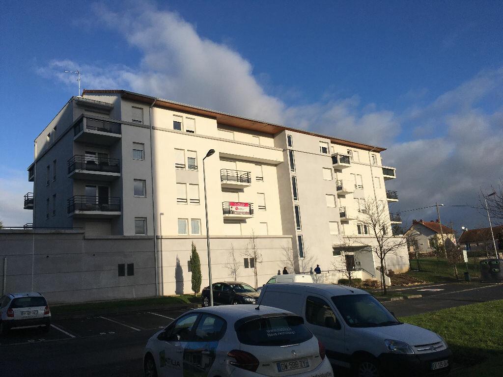 Appartement à vendre 2 43.3m2 à Montluçon vignette-1
