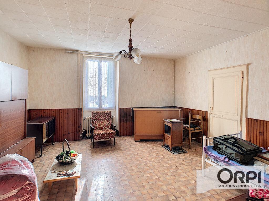 Maison à vendre 2 71m2 à Saint-Amand-Montrond vignette-1