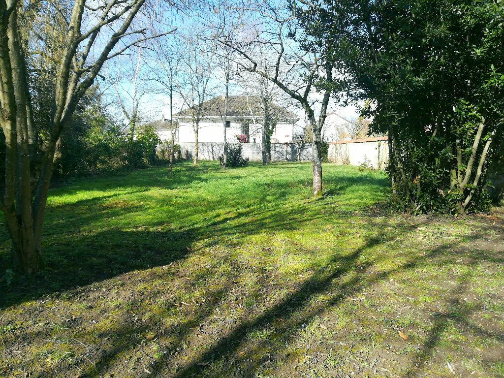 Maison à vendre 8 218m2 à Saint-Amand-Montrond vignette-15