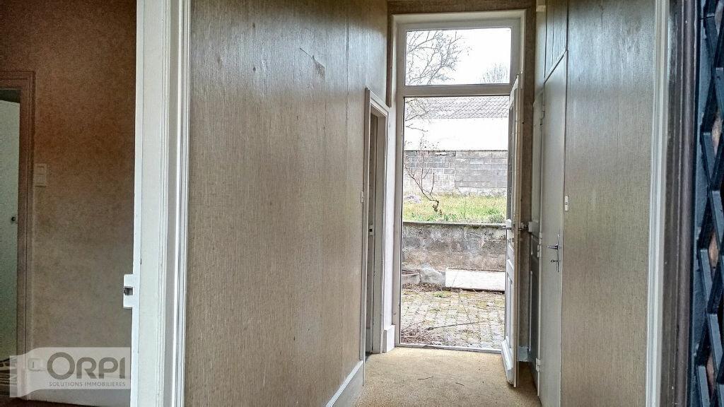 Maison à vendre 4 105m2 à Montmarault vignette-10