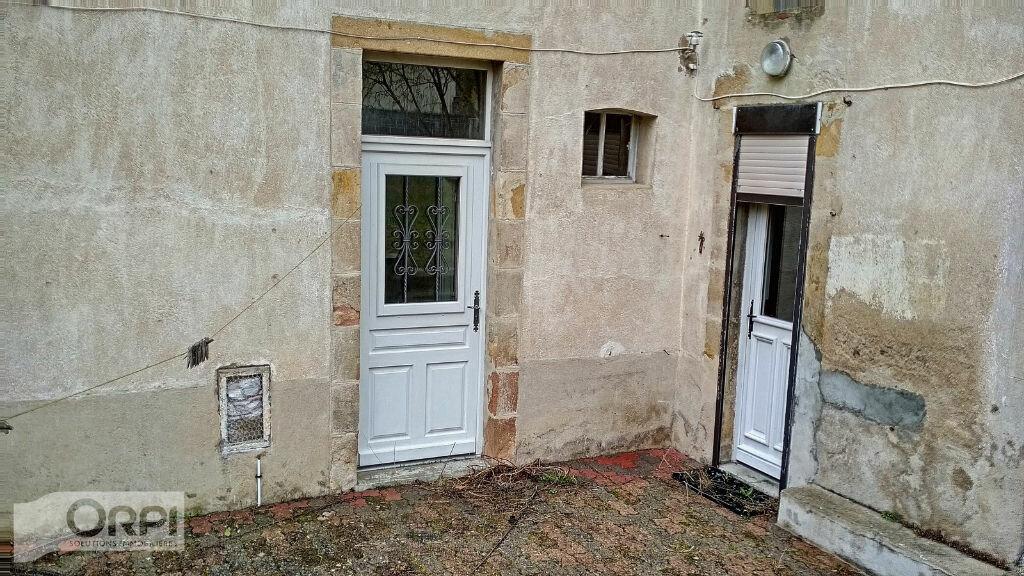 Maison à vendre 4 105m2 à Montmarault vignette-12