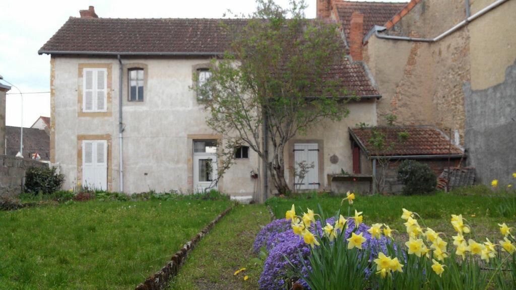 Maison à vendre 4 105m2 à Montmarault vignette-13