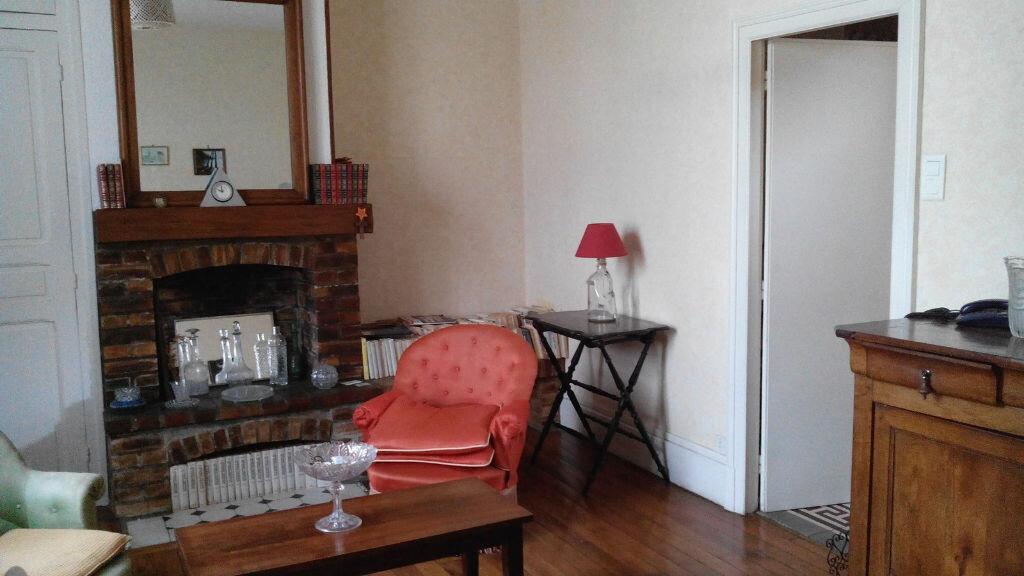 Maison à vendre 4 105m2 à Montmarault vignette-15