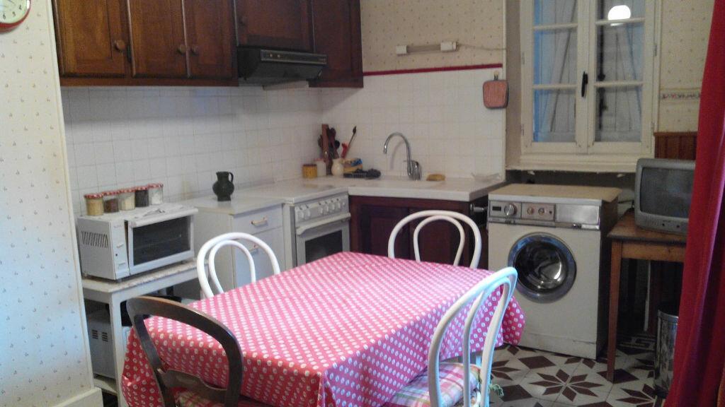 Maison à vendre 4 105m2 à Montmarault vignette-16