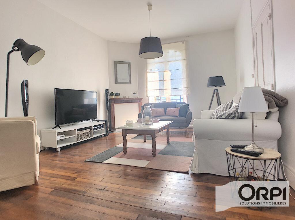 Maison à vendre 6 182m2 à Montluçon vignette-1