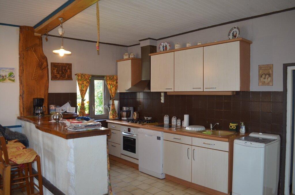 Maison à vendre 8 145m2 à Trois-Fonds vignette-6