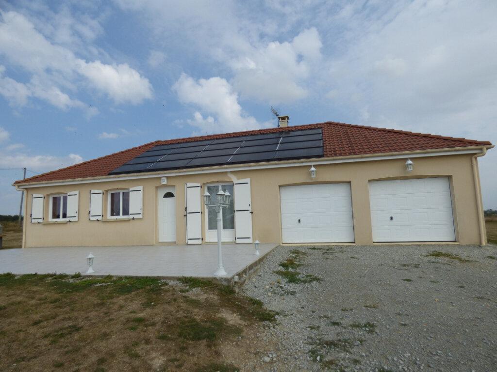 Maison à vendre 4 103m2 à Lussat vignette-1