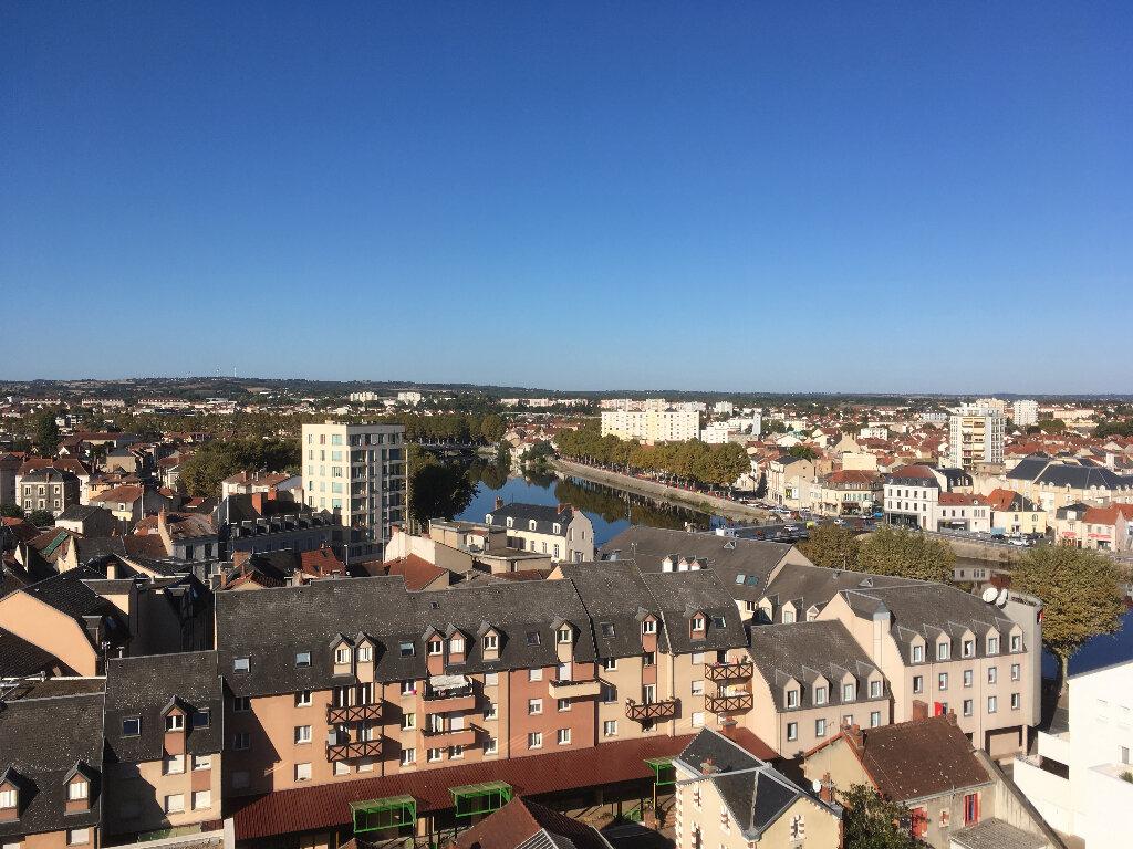 Appartement à vendre 4 105m2 à Montluçon vignette-2