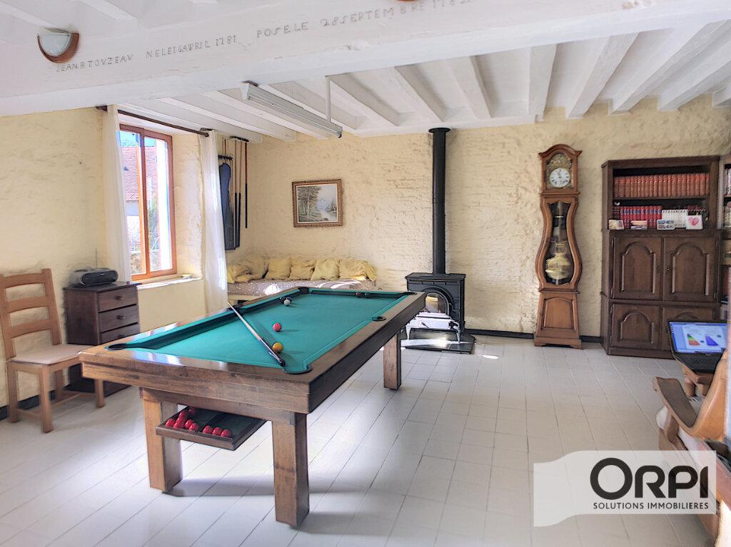 Maison à vendre 5 92m2 à Ainay-le-Vieil vignette-5
