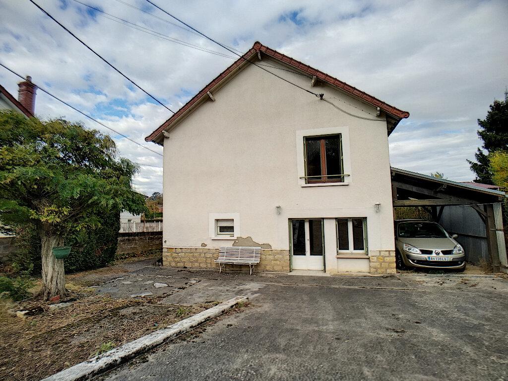 Maison à vendre 5 59m2 à Saint-Amand-Montrond vignette-2
