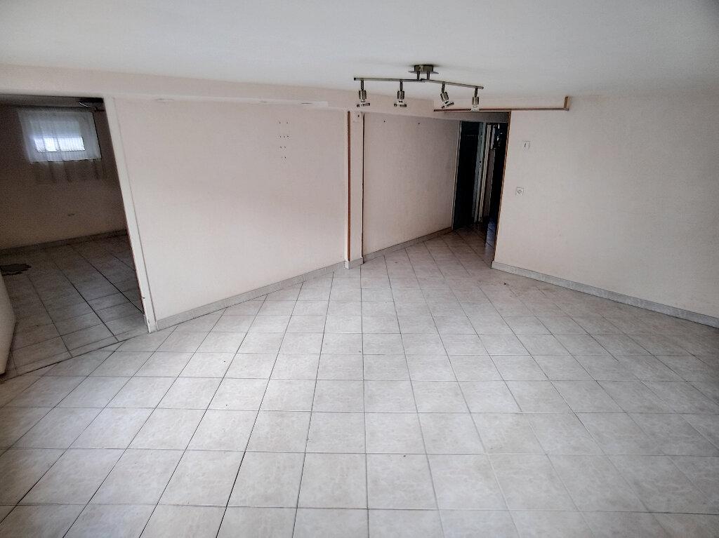 Maison à vendre 5 59m2 à Saint-Amand-Montrond vignette-3