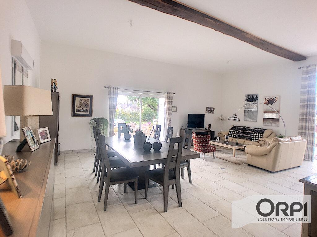 Maison à vendre 7 233m2 à Saint-Amand-Montrond vignette-3
